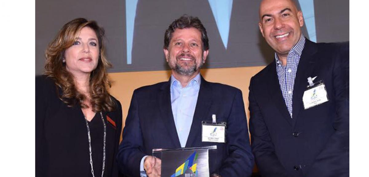 Na foto, Andreia Repsold, diretora-geral doLIDE Rio de Janeiro, Ricardo Piquet, diretor-presidente do Museu do Amanhã e do IDG, responsável pela gestão do Museu, e Marcelo Alves, presidente daRiotur.Rio.