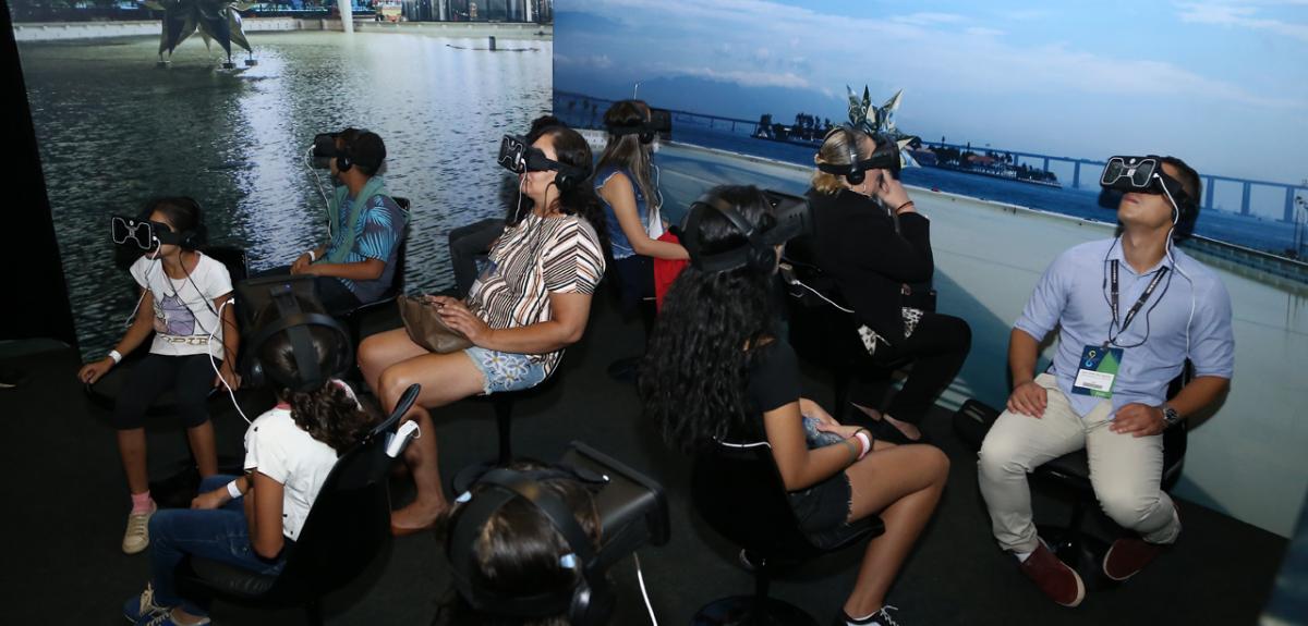 Realidade Virtual dentro do cubo da matéria