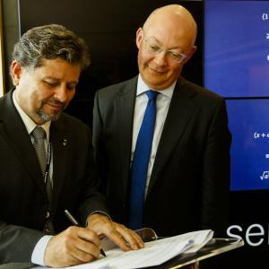 Ricardo Piquet, assina parceria entre Museu do Amanhã e Science Museum